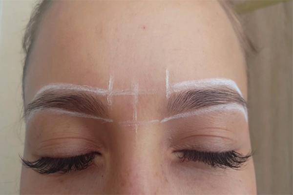 Как покрасить брови самостоятельно